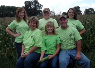 The Brown Family - from left to right: Katie, Paige, Josh, Megan, Toby and Jenna Brown